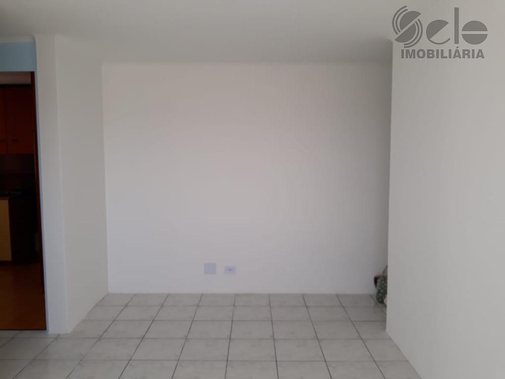 lindo apartamento com 2 dormitórios, sala 2 ambientes, cozinha com armários, recém reformado, 1 vaga, andar...