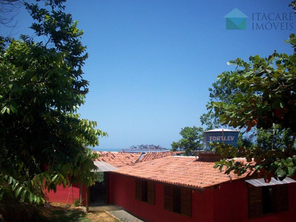 casa com linda vista para o mar, localizada a 5 minutos do centro da cidade de...