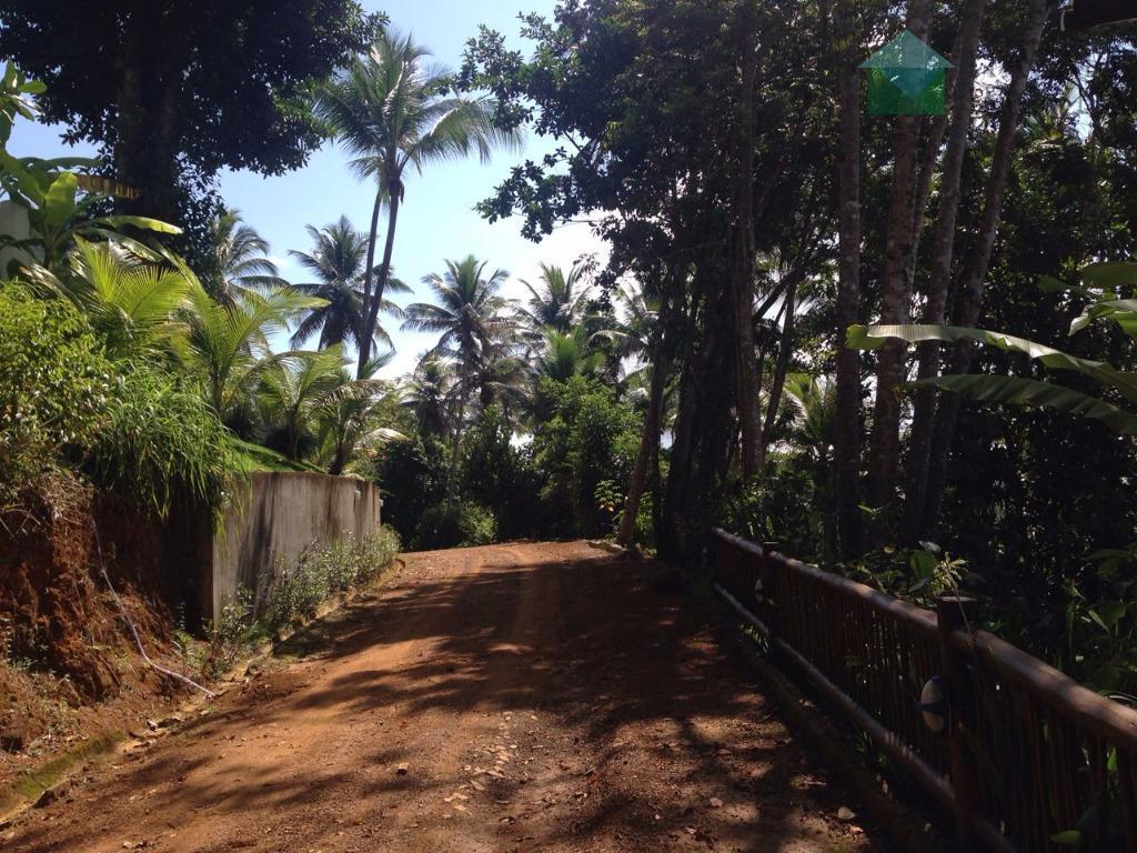 quanto à localização, o terreno está situada dentro do complexo residencial villas de são josé (composto...