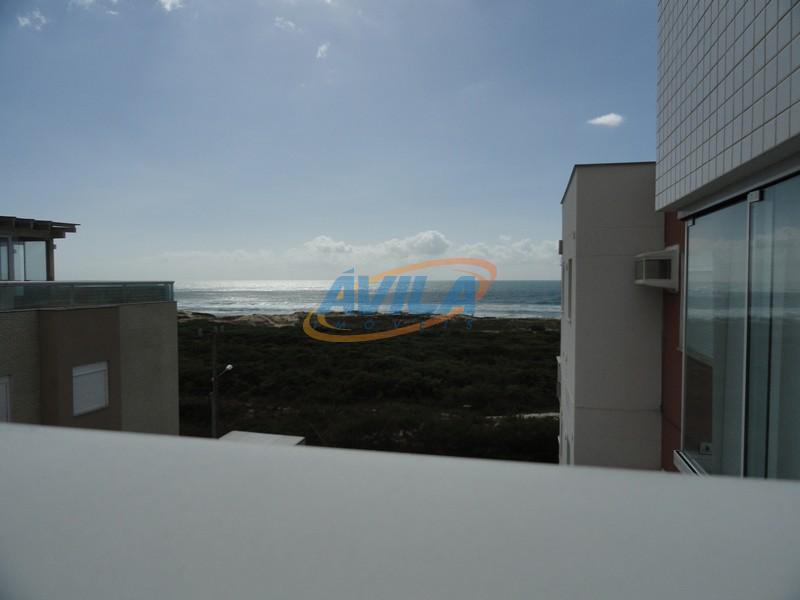 Um bom apartamento com terraço em frente ao mar. Campeche