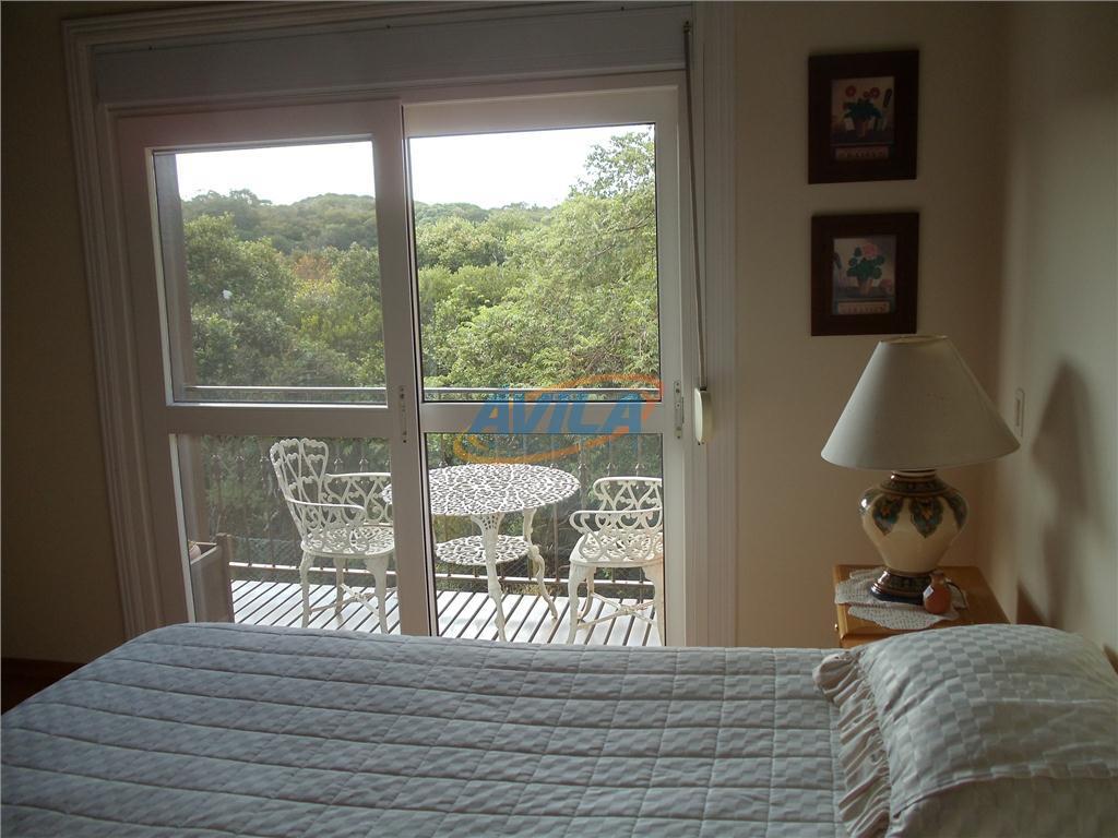 residência em condomínio fechado, trilha para a praia da joaquina. local fica a 10 minutos da...