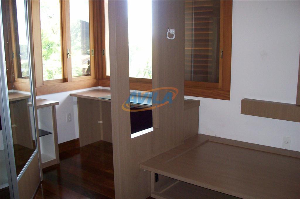 excelente, nova e ampla residência, com linda vista para lagoa e montanhas. sauna a vapor, cascata,...