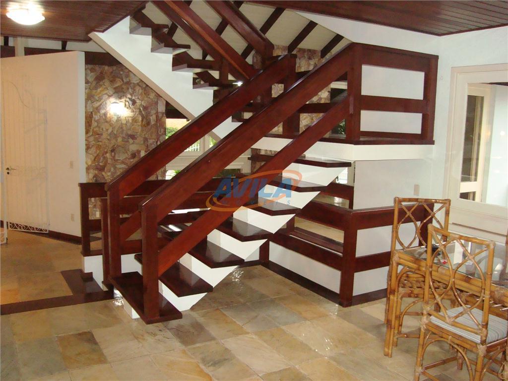 bonita residência em um região muito valorizado de casa de excelente padrão. local fica perto do...