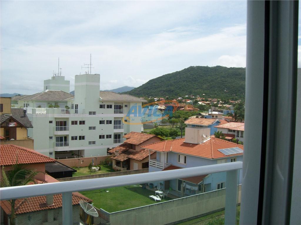 linda cobertura com vista da praia do campeche. oportunidade de morar em frente a uma das...
