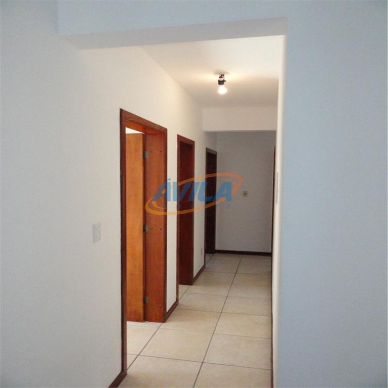 prédio bem localizado, a poucos metros da lagoa, sem elevador e portaria com interfone. apartamento com...