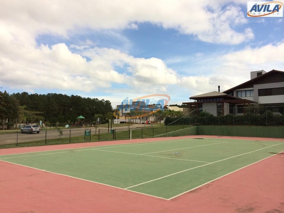 ótimo terreno com 1.300 m² em condomínio com estrutura de lazer: quadra de esporte, piscina, salão...