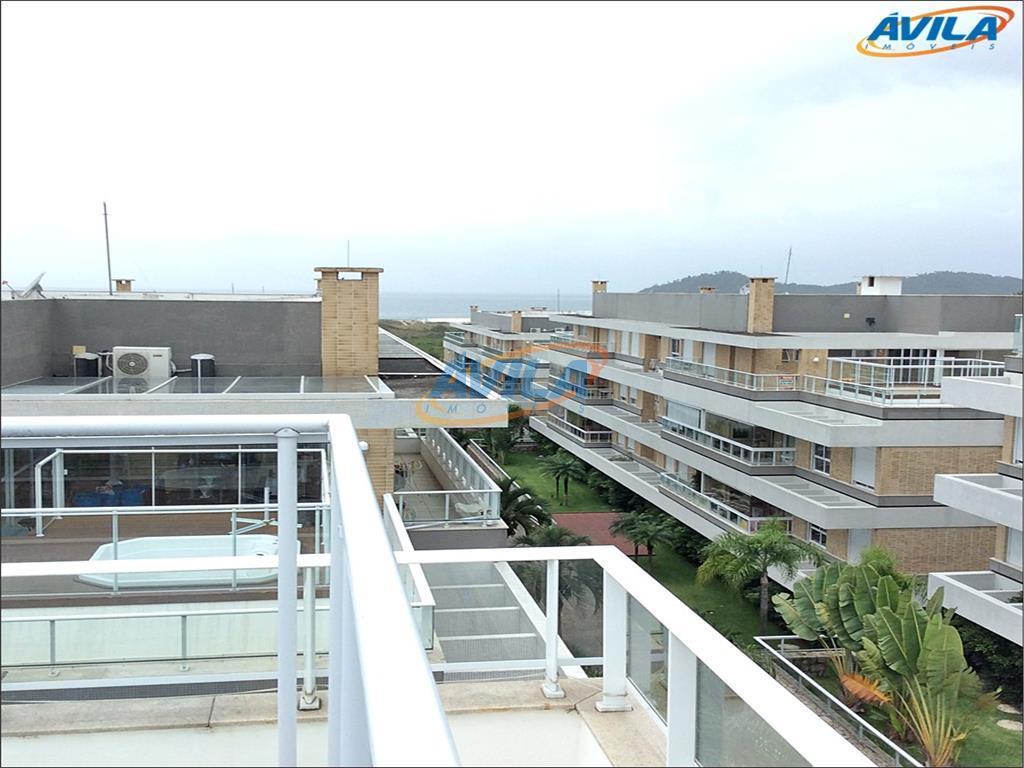 Linda Cobertura em condomínio com estrutura completa em frente a praia - Florianópolis.
