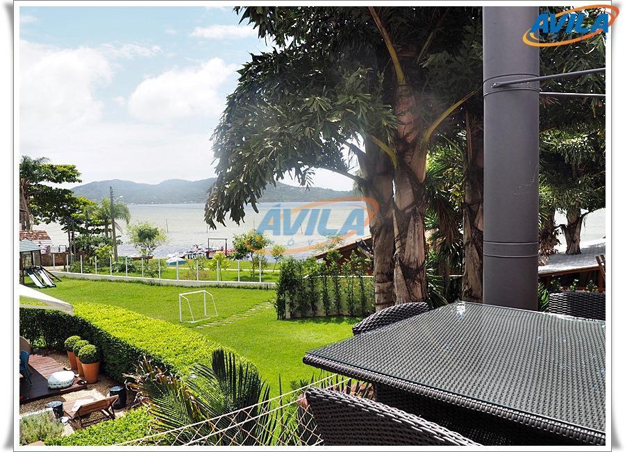 Aconchegante casa a pouco metros da lagoa - Florianópolis - SC