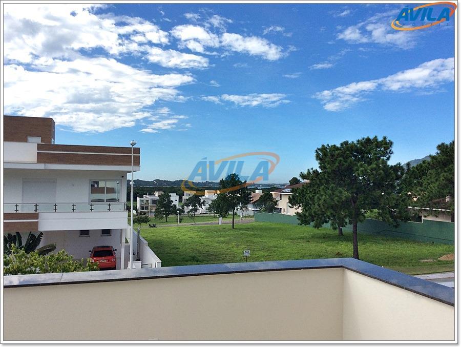 Residência nova com 4 D no Centrinho da Lagoa - Florianópolis.