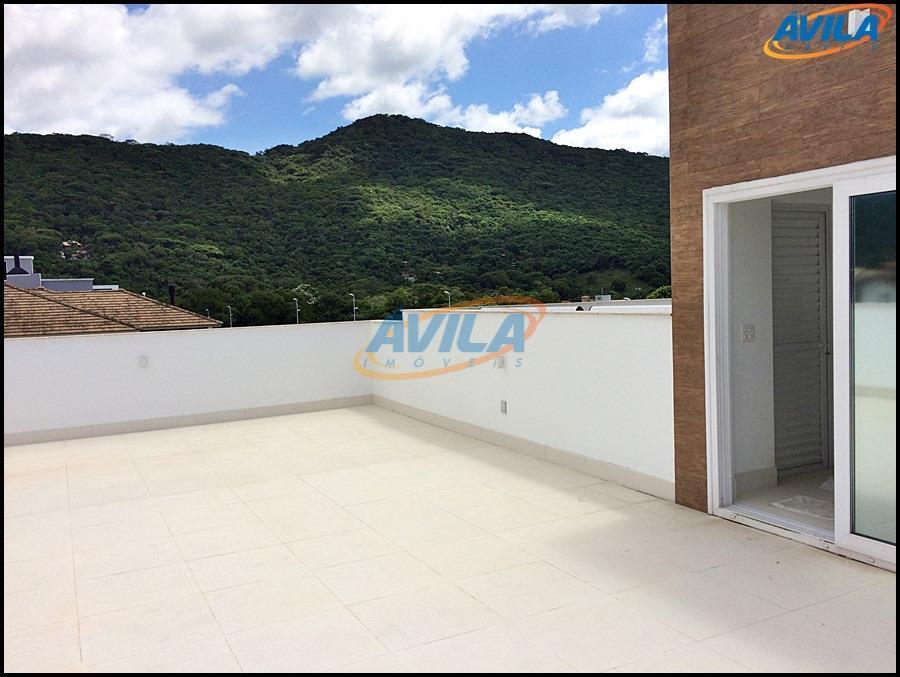 residência com projeto arquitetônico de linhas retas com materiais e acabamento de primeira qualidade. projetada para...