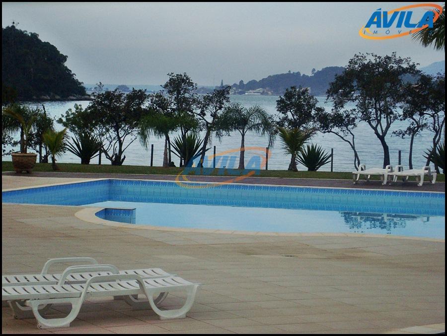 Apartamento à venda em condomínio na beira da Lagoa da Conceição, Florianópolis.