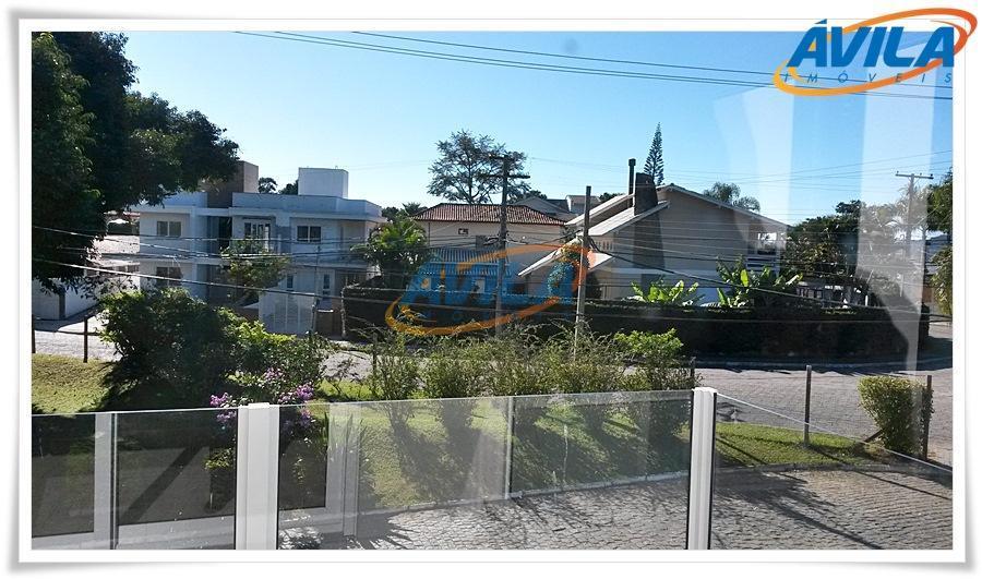 em fase final de acabamento casa geminada com localização privilegiada na lagoa da conceição, cercada pela...