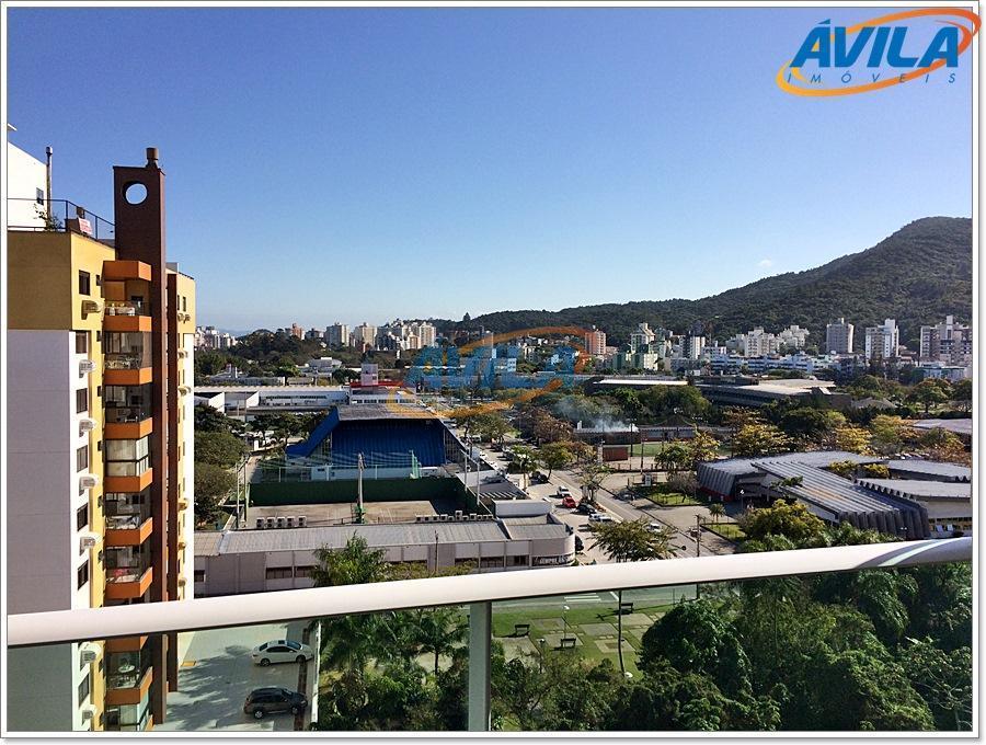 um excelente condomínio com área de lazer: piscina adulto e infantil, sala de ginástica, salão gourmet,...