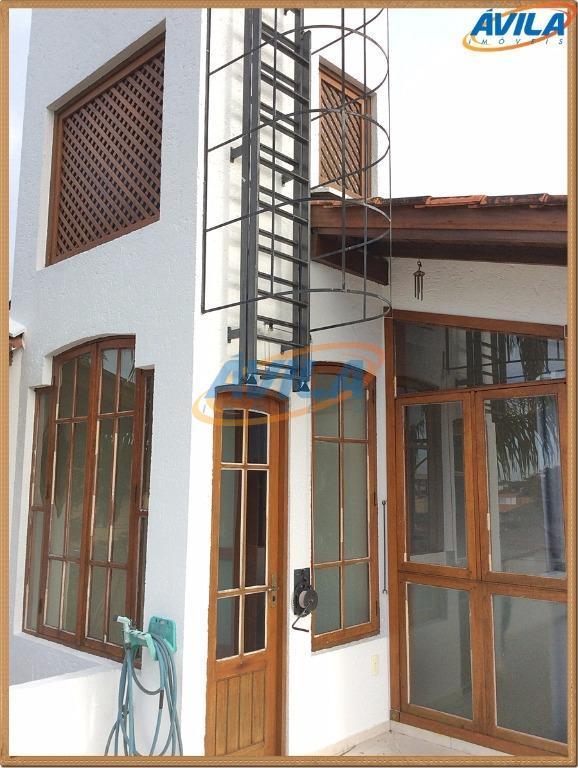 casa em rua residencial tranquila, próxima ao centrinho da lagoa com 2 suítes, lavabo, peças amplas...