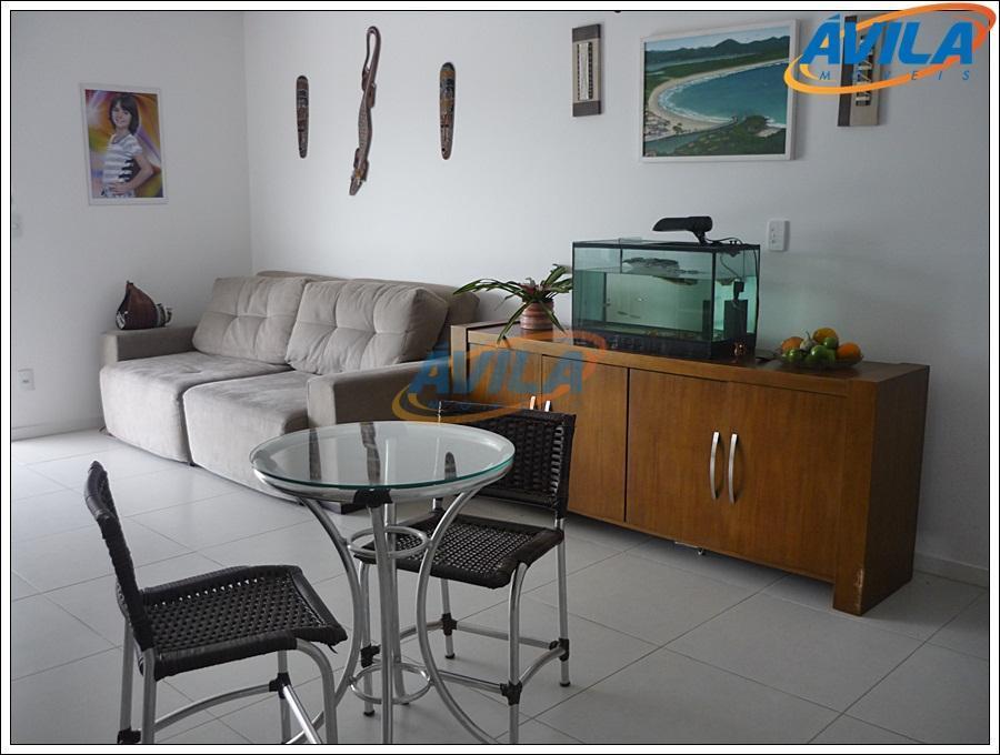 lindo e amplo stúdio com área de serviço e sacada. condomínio com salão de festas, academia...