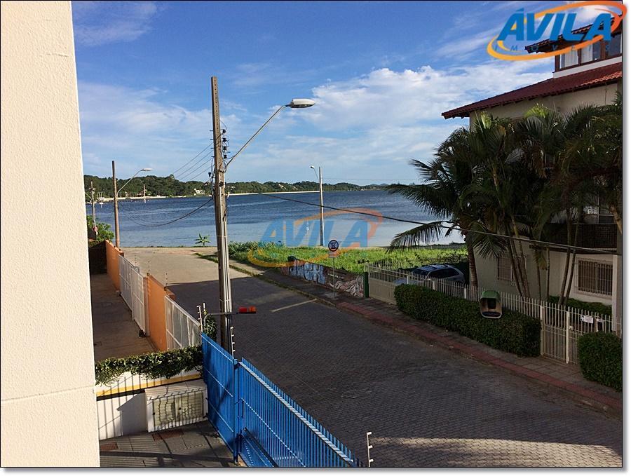 prédio bem localizado, em rua residencial, perto da lagoa com comércio e serviço. prédio não tem...
