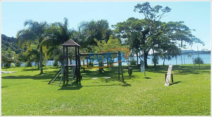 Apartamento na beira da Lagoa, Florianópolis.