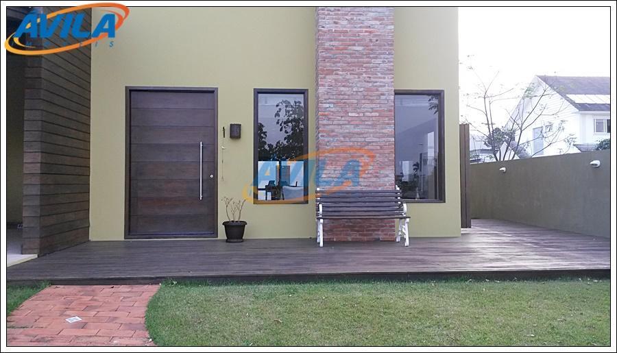 Casa 3 D à venda na Lagoa da Conceição, Florianópolis.