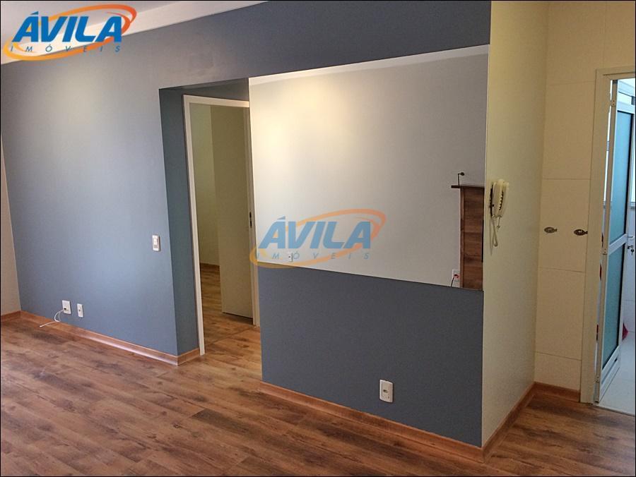 """um ótimo apartamento muito bem cuidado com armário e ar condicionado """"split"""" em cada um dos..."""