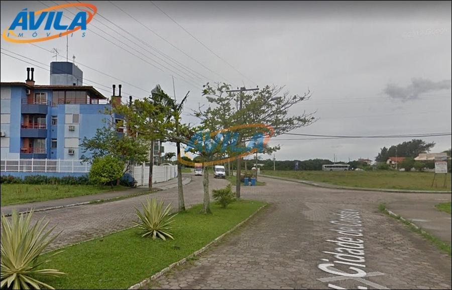 apartamento com localização privilegiada, 5 minutos a pé da praia da barra da lagoa, 3 km...