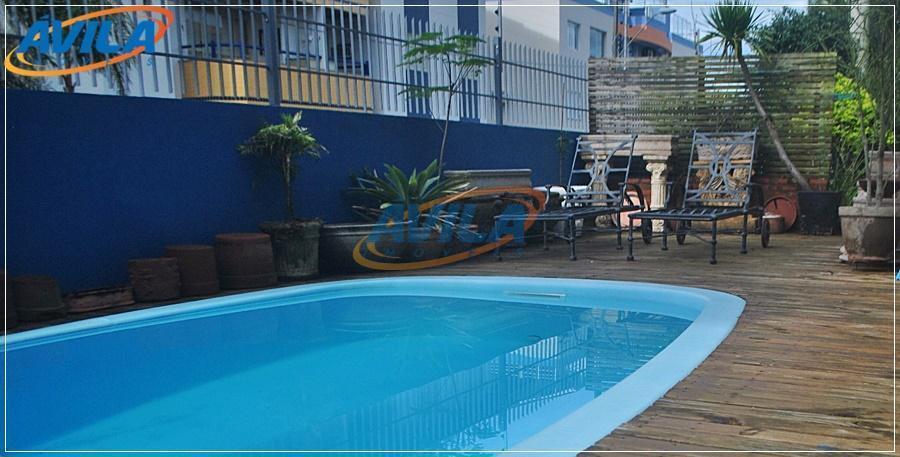 casa no centrinho da lagoa em rua residencial tranquila. fica próxima aos serviços da lagoa, restaurantes,...