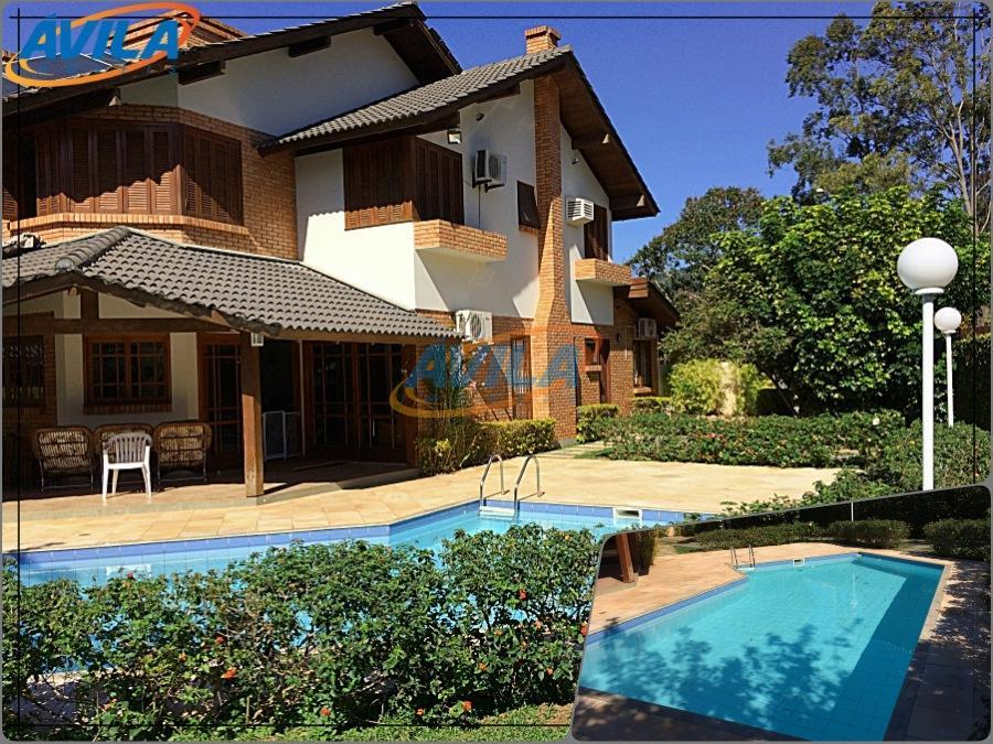 Casa com 4 D (2S) com piscina na Lagoa