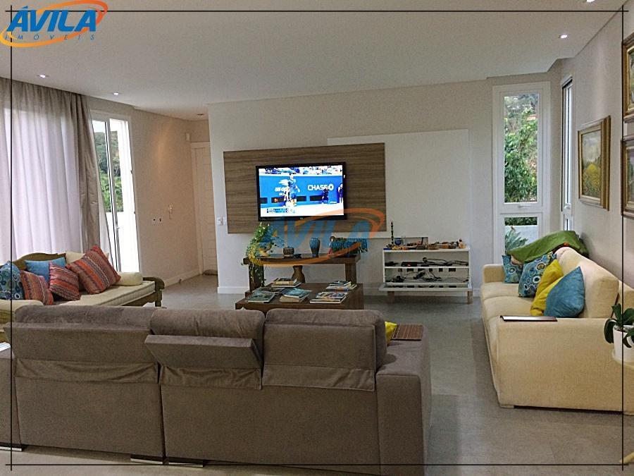 Casa com projeto moderno na Lagoa - 4 S + Dep. Compl