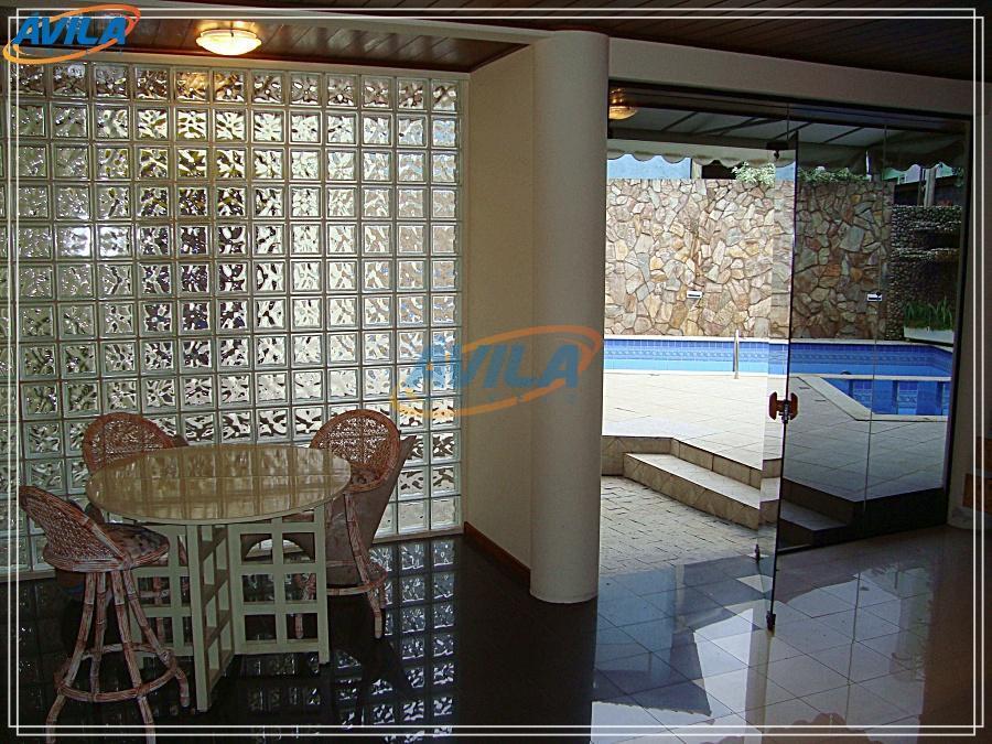 Casa com piscina, spa e sauna