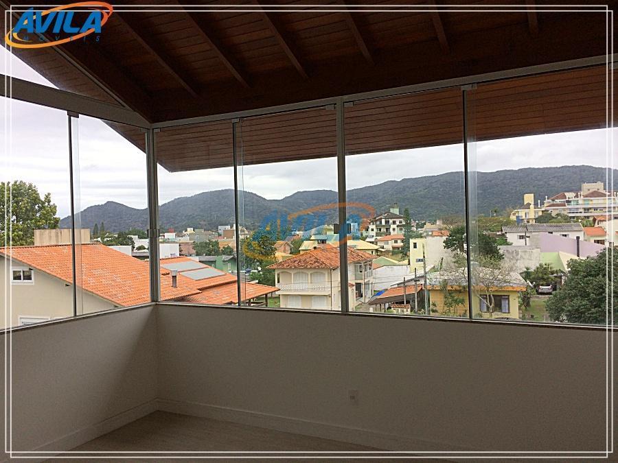 bonita cobertura com 4 d + 2 vgs em prédio com poucas unidades e rua residencial....