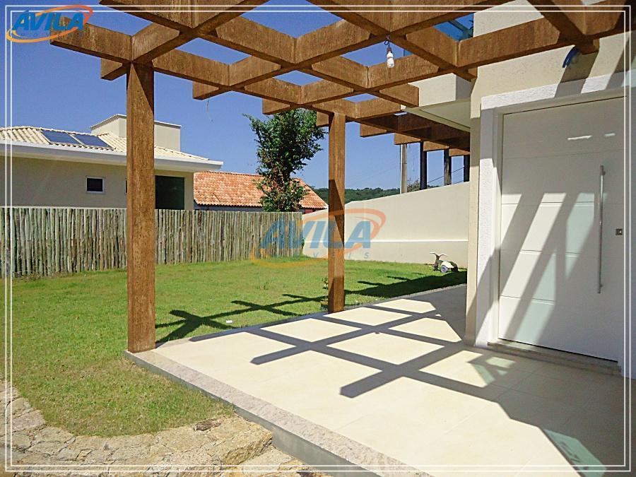 condo com 2 residências, sendo que as 2 estão à venda, têm áreas construídas iguais, 156...