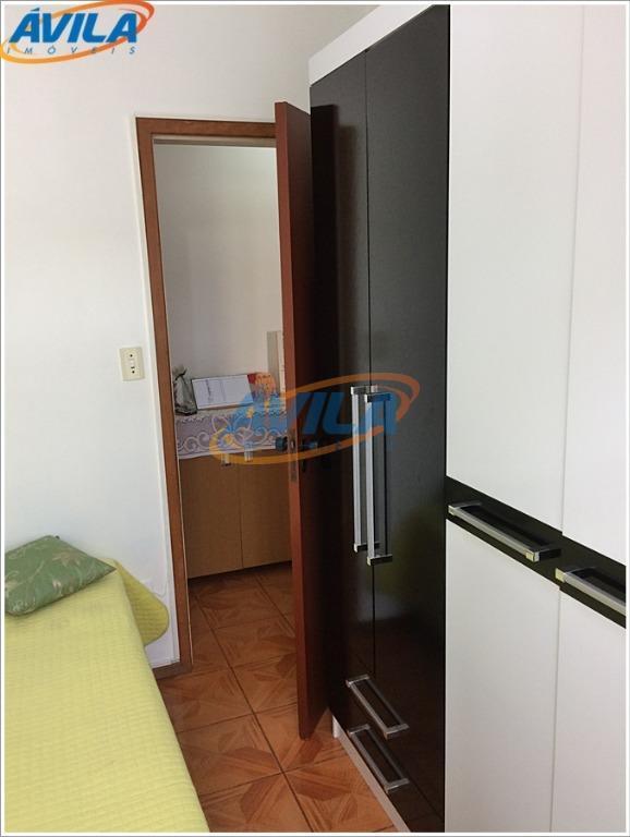 apartamento em condomínio sossegado no 3º andar sem elevador. condomínio tarumã na rua pastor william richard...