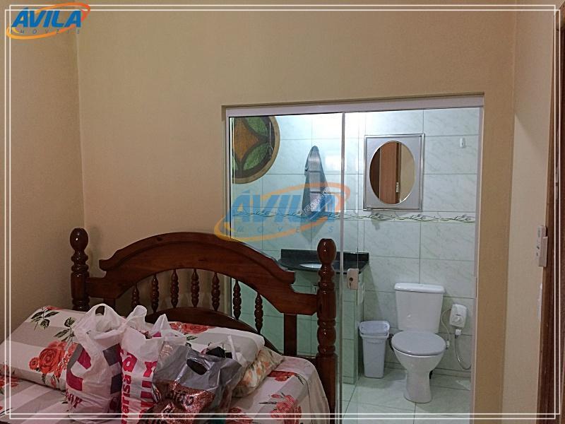 casa sólida com 4 dormitórios, bem localizada, perto de restaurantes, universidades, shopping iguatemi, fácil acesso para...