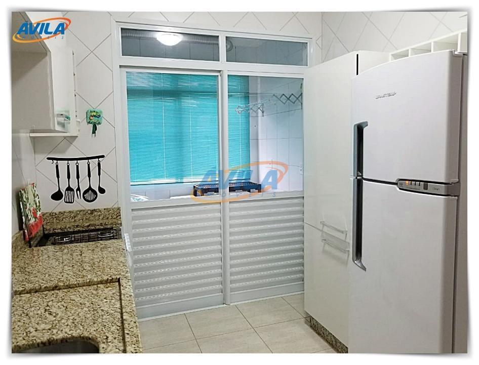 um bom apartamento mobiliado com 3 dormitórios, sendo uma suíte e outra demi suíte. com 3...