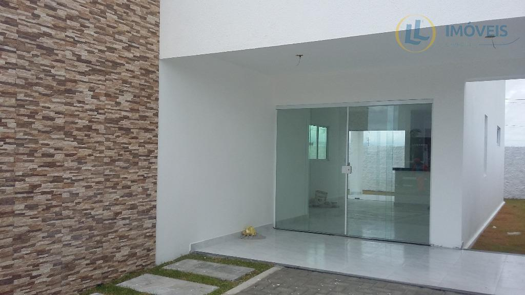 imóvel belíssimo com com jardim, piso em porcelanato, portas e janelas em vidro e madeira arquitetura...