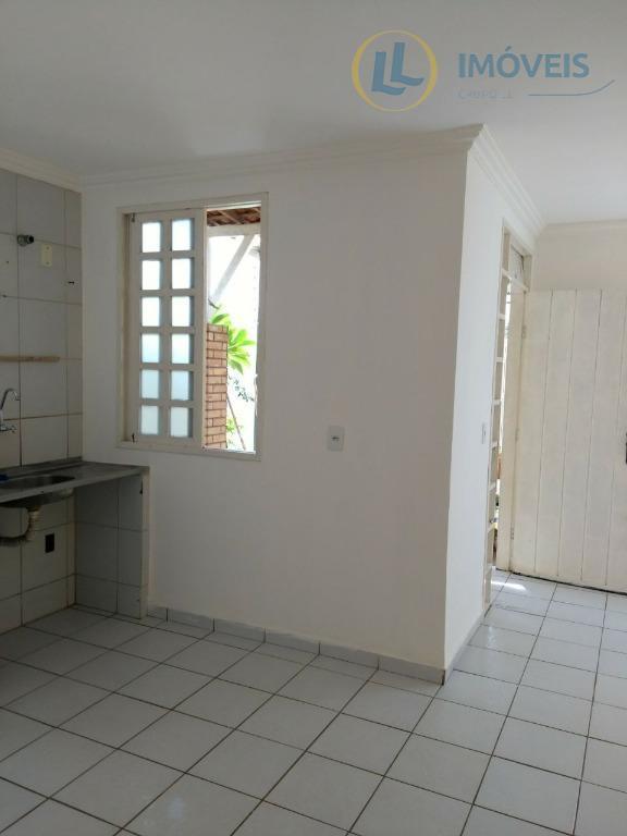 casa de esquina com 02 quartos, com recuo frontal, quintal e garagem para dois carros, próximo...