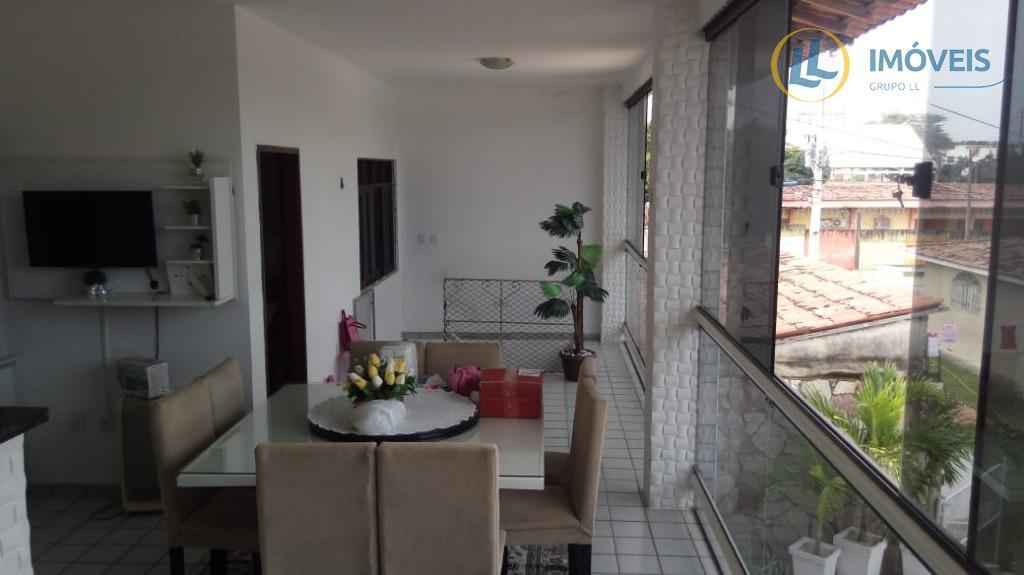 excelente casa com 2 quartos, sendo 2 suítes, com closet na suíte master, sala ampla, cozinha...