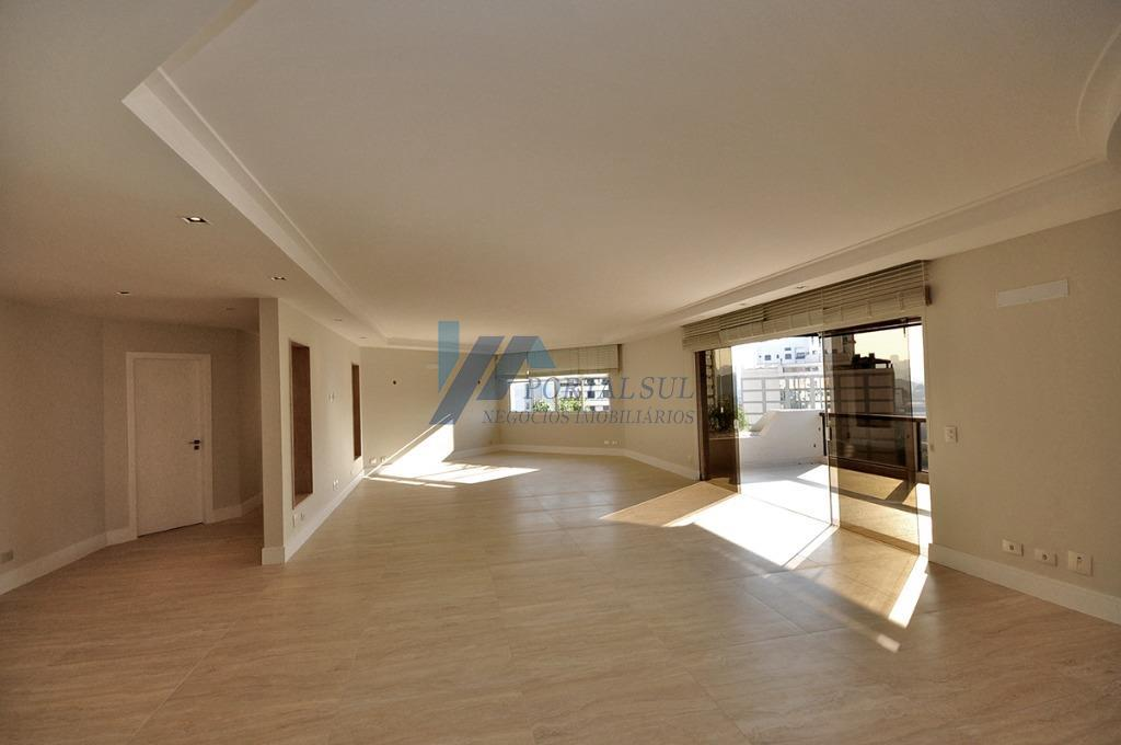 Excentente apartamento alto padrão ao lado do Parque Ibirapuera