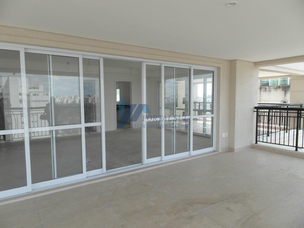 Apartamento Alto Padrão à venda em Moema com 306m² uteis, 5 Suítes e  5 vagas.