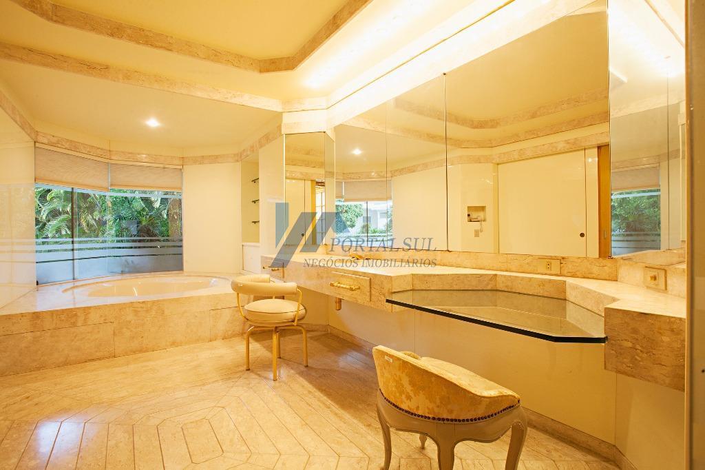 casa altíssimo padrão para venda com localização privilegiada no jardim paulista, próximo aos restaurantes fasano, chef...