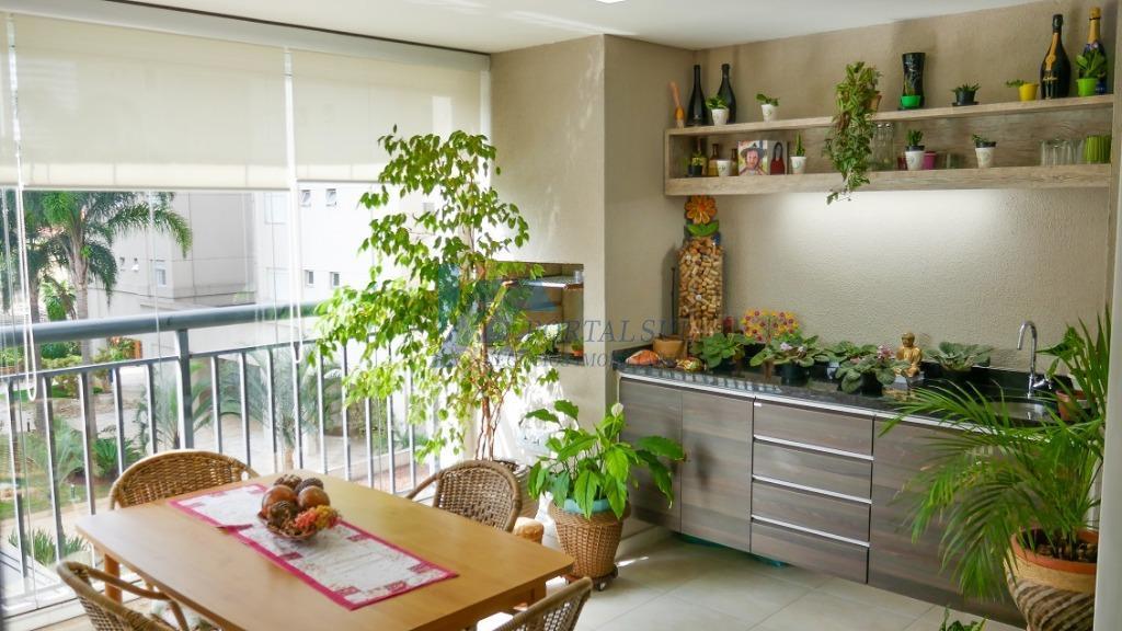 Varanda gourmet, quatro dormitórios e três vagas no Belém - avalia permuta