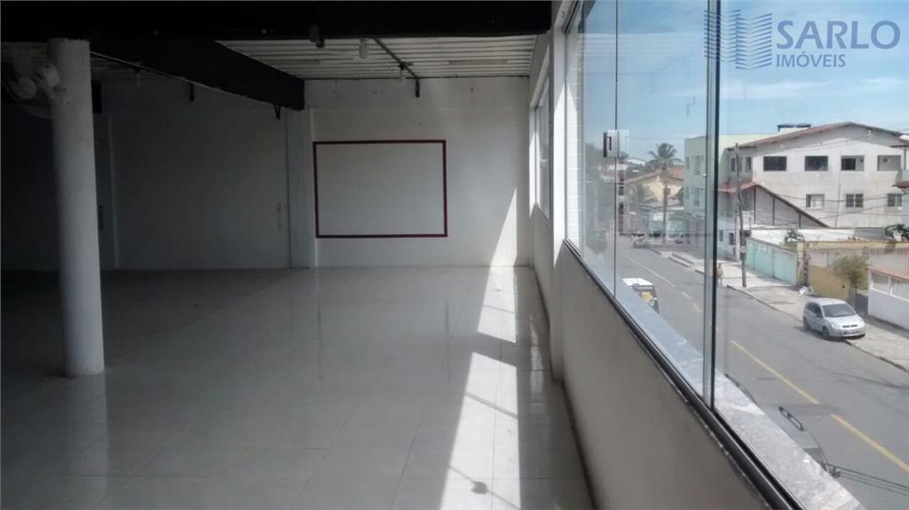 vende-se todo o prédio, possuindo 04 lojas e 02 salas, alugadas. rendimento em torno de r$...