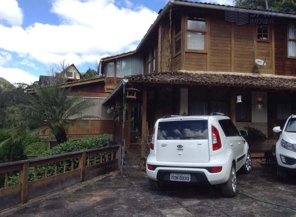 """espetacular casa em condomínio fechado, localizada na """"suiça capixaba"""", onde você e sua família desfrutará do..."""
