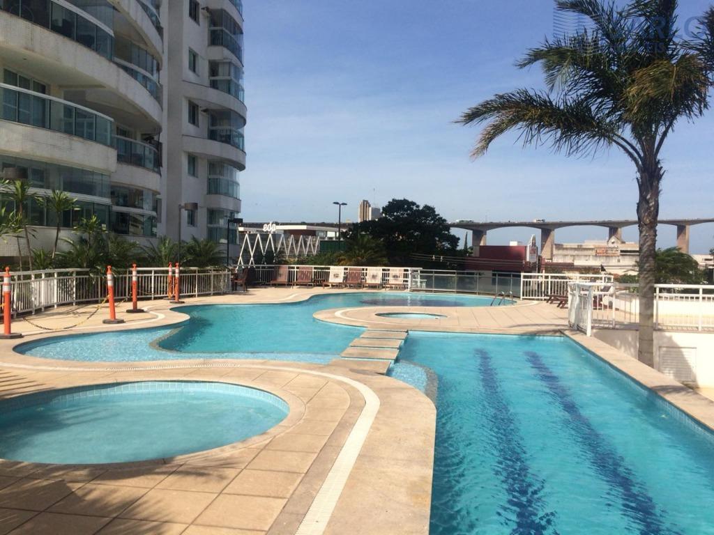 Apartamento com 3 dormitórios à venda, 90 m² por R$ 650.000
