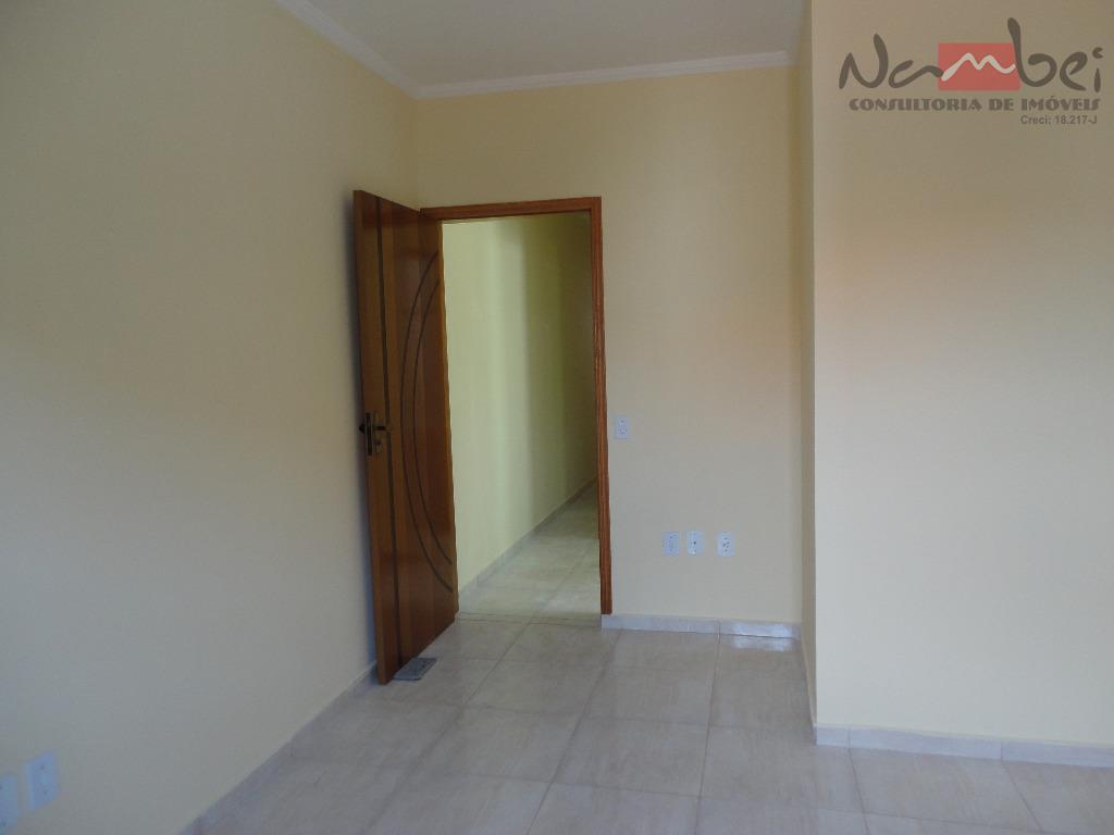 sobrado novo com 03 dormitórios, sendo 01 suíte, sala, cozinha, copa, wc, lavabo, área de serviço...