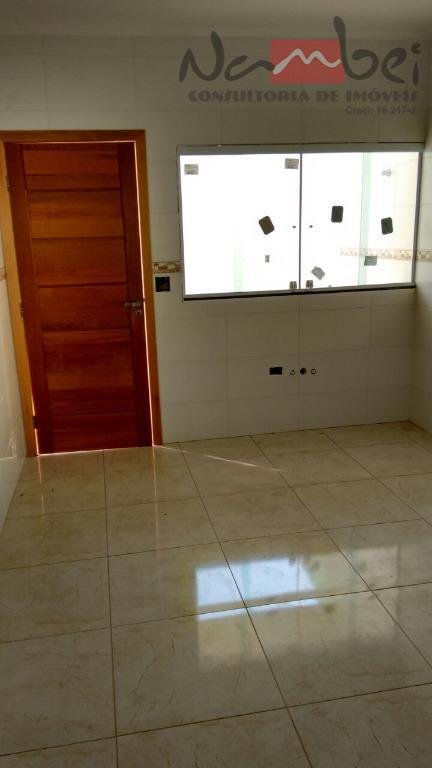 sobrado com 03 dormitórios sendo 01 suíte, sala, cozinha, wc, lavabo, àrea de serviço e 1...