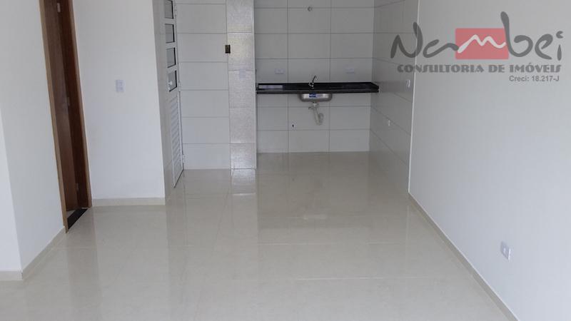 sobrado em condomínio com 02 dormitórios, sala, cozinha, lavabo, área de serviço e 02 vagas de...