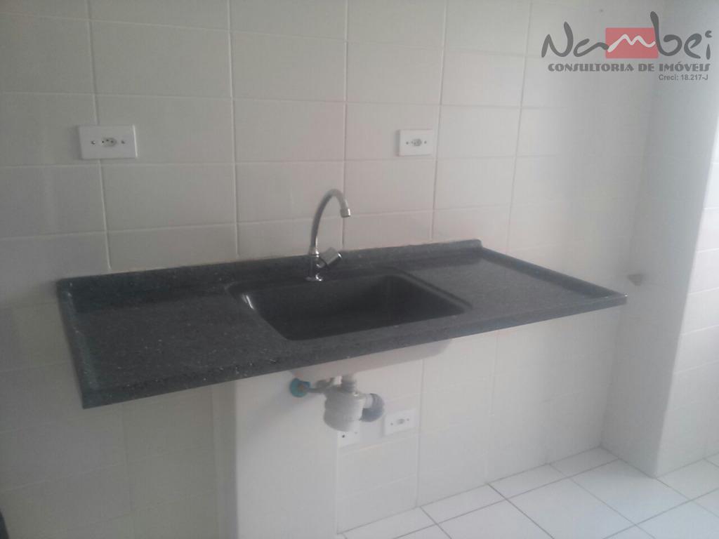apartamento com 02 dormitórios, sala, cozinha, wc, área de serviço e 01 vaga de garagem;próximo ao...