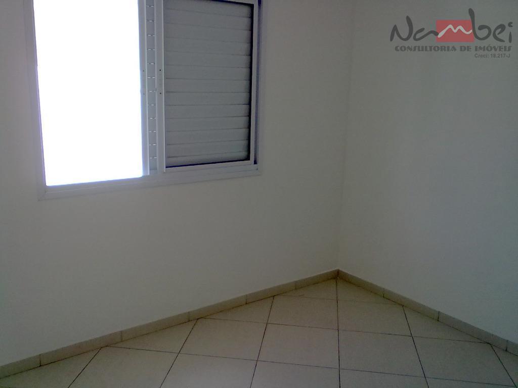 sobrado novo com 02 dormitórios sendo 02 suítes, sala, cozinha, lavabo, área de serviço coberta e...