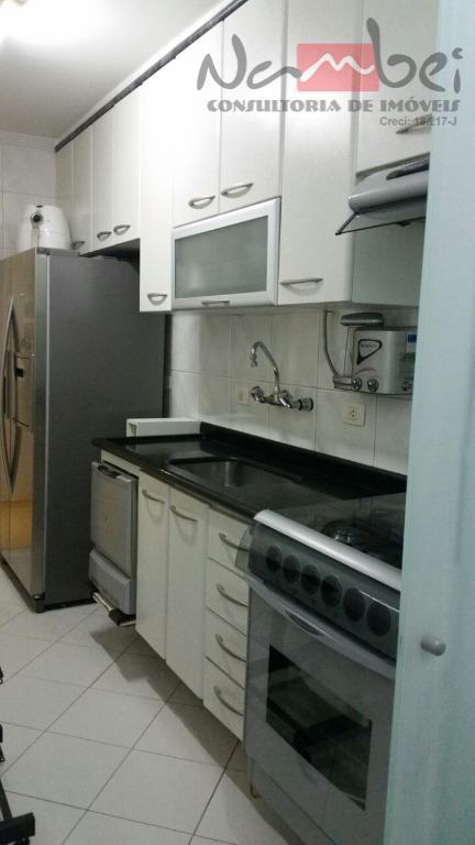 apartamento com 02 dormitórios c/ móveis planejados, sala, cozinha c/ móveis planejados, wc, área de serviço...