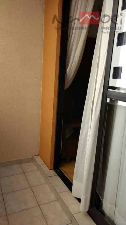 apartamento com 03 dormitórios sendo 01 suíte c/ móveis planejados, sala, cozinha c/ móveis planejados, 02...